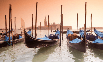 win a walking holiday in venice